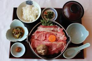 山形牛鍋膳(辛みそ味)