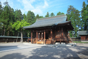 上杉神社本殿