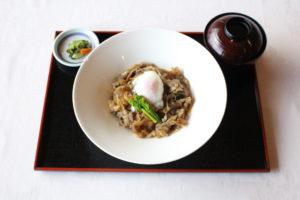 米沢牛丼(すき焼き風)